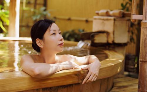 10 Bí quyết cho đôi chân đẹp hoàn hảo của phụ nữ Việt Nam 10