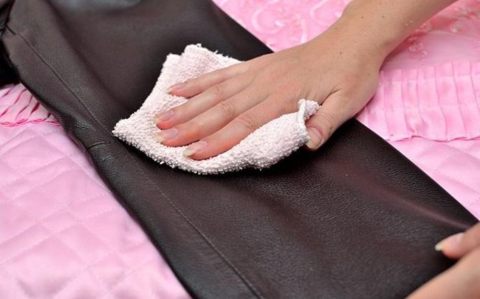 10 mẹo giặt quần áo nhanh chóng, hiệu quả và tiết kiệm kể cả giặt bằng máy hay giặt tay 3
