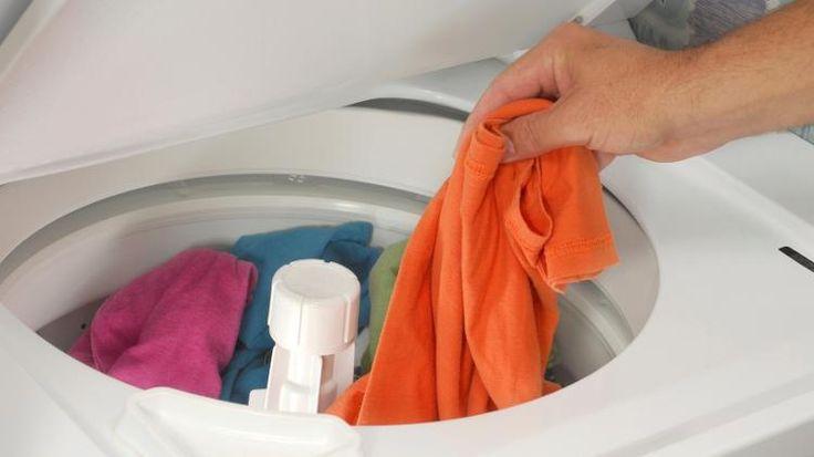 10 mẹo giặt quần áo nhanh chóng, hiệu quả và tiết kiệm kể cả giặt bằng máy hay giặt tay 6