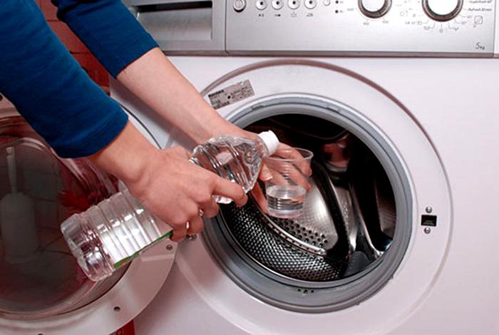 10 mẹo giặt quần áo nhanh chóng, hiệu quả và tiết kiệm kể cả giặt bằng máy hay giặt tay 7