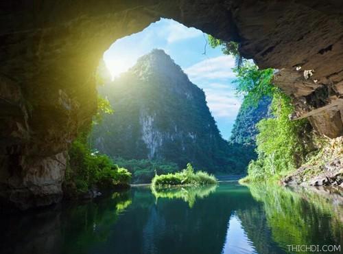 Top 10 địa điểm du lịch hấp dẫn khi đến Ninh Bình 2