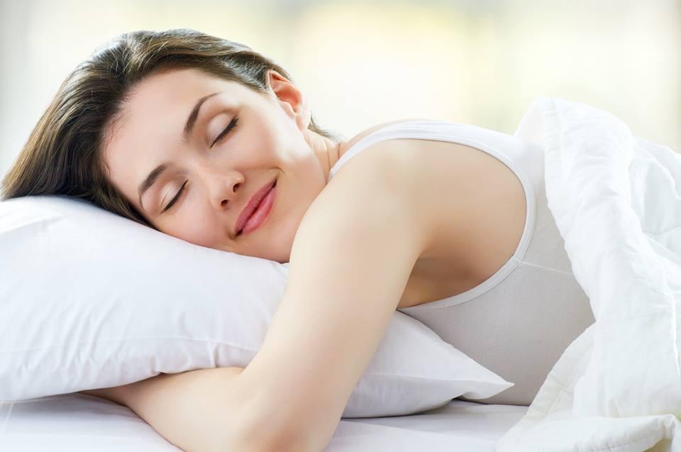 Top 10 sự thật về kem dưỡng ẩm vào ban đêm chị em phụ nữ cần phải biết 2