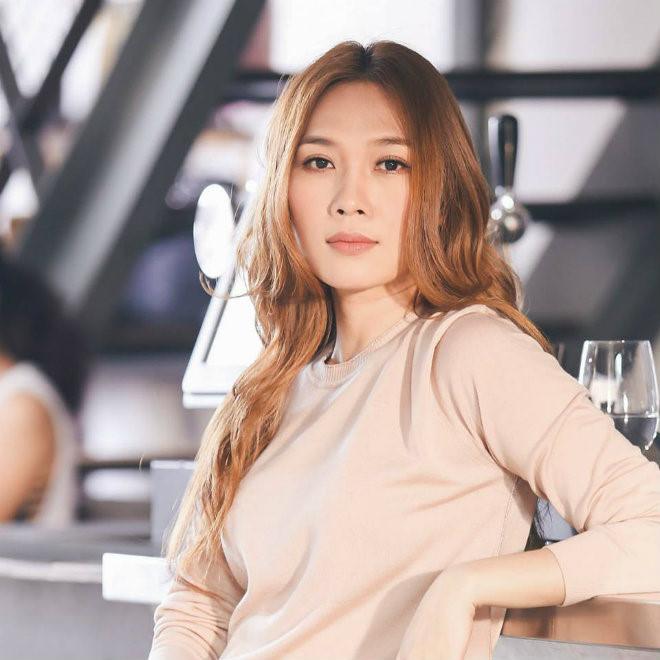 Top 10 người đẹp có nhan sắc quyến rũ và luôn tạo được dấu ấn trong phong cách thời trang 10