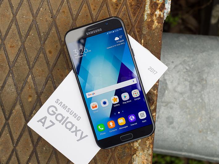 Top 10 mẫu điện thoại hot nhất, bán chạy nhất đang làm mưa làm gió trong năm nay 6