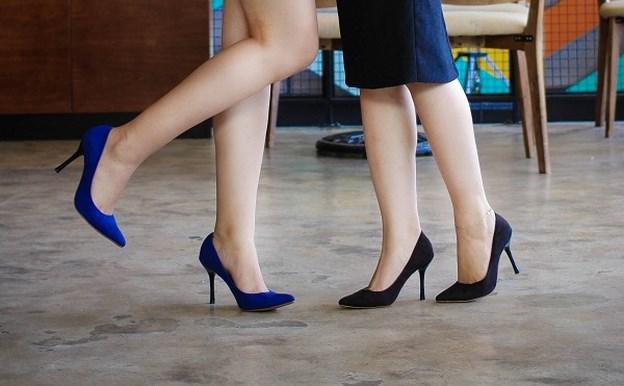 10 Bí quyết giúp bạn chọn mua 1 đôi dày cao gót vừa vặn để có dáng đi chuẩn mực nhất6