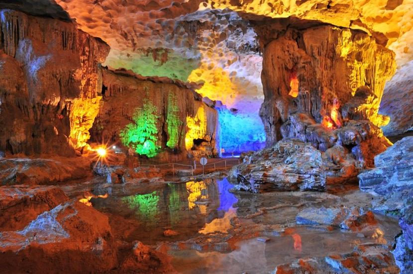 Khám phá 10 hang động đẹp lung linh kì bí và hấp dẫn nhất Việt Nam 7