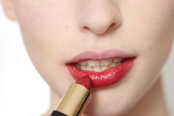 Top 10 lỗi phái nữ cần tránh khi mua mỹ phẩm