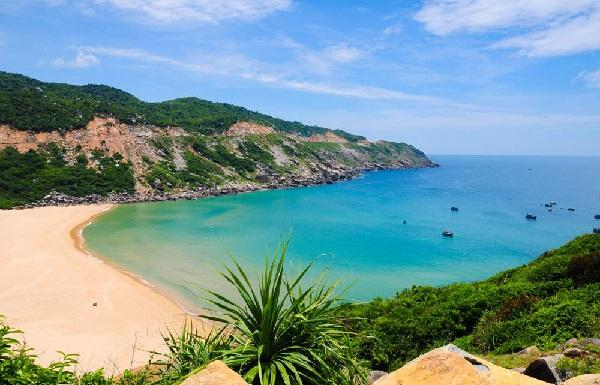 Top 10 bãi biển đẹp không thể bỏ qua khi du lịch đến Việt Nam 4