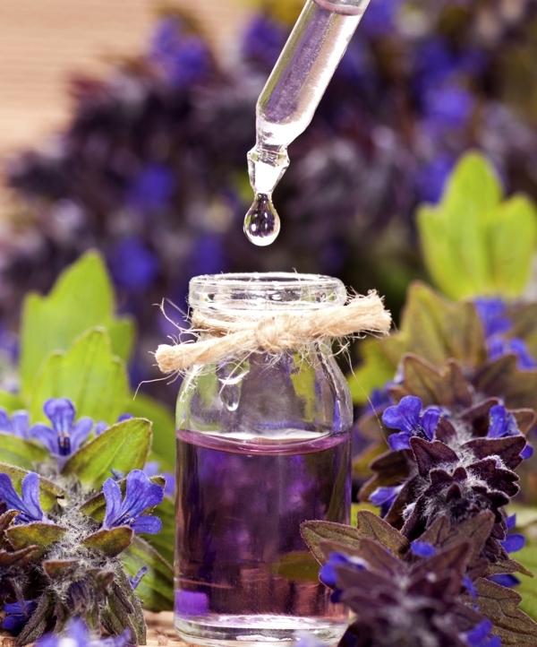 Top 10 công dụng tuyệt vời của tinh dầu oải hương về sức khỏe làm đẹp 4