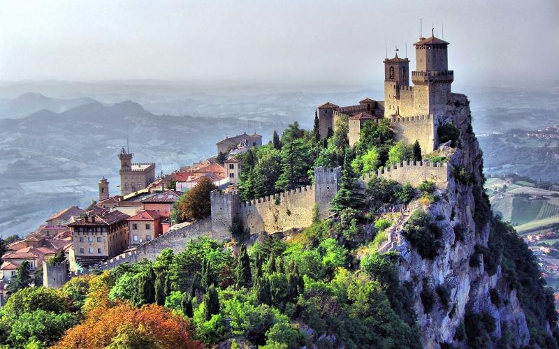 Top 10 quốc gia có cảnh đẹp lý tưởng và dân số thấp nhất thế giới 6