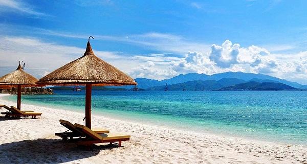 Top 10 bãi biển đẹp không thể bỏ qua khi du lịch đến Việt Nam 7