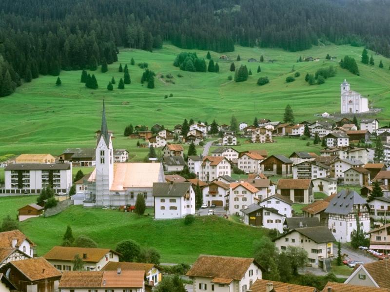 Top 10 quốc gia có cảnh đẹp lý tưởng và dân số thấp nhất thế giới 7