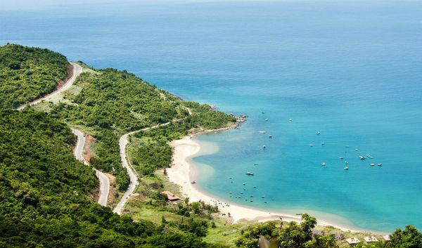 Top 10 bãi biển đẹp không thể bỏ qua khi du lịch đến Việt Nam 8