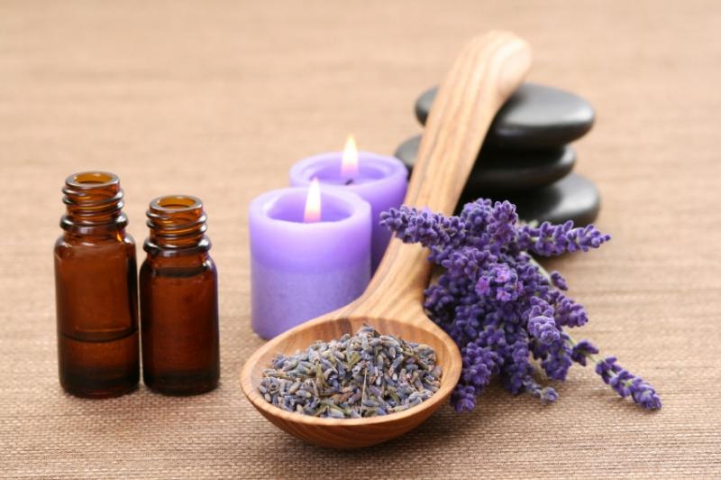 Top 10 công dụng tuyệt vời của tinh dầu oải hương về sức khỏe làm đẹp 9