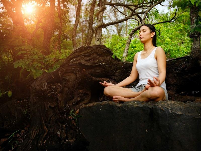 Điểm mặt 10 lợi ích thần kỳ của việc ngồi thiền đối với sức khỏe con người