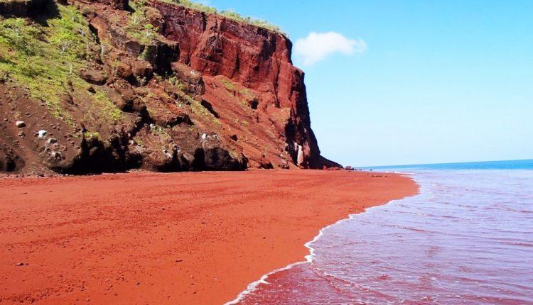 Khám phá 10 bãi biển kỳ lạ và tuyệt đẹp trên khắp thế giới 10