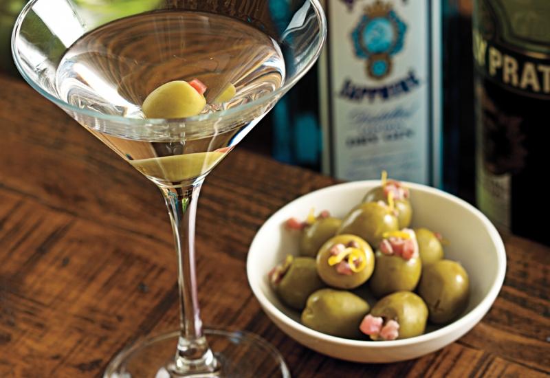 Học 10 cách pha chế cocktail tại nhà đơn giản mà ngon đúng điệu 10