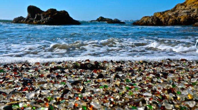 Khám phá 10 bãi biển kỳ lạ và tuyệt đẹp trên khắp thế giới 5