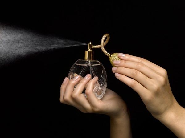 Đừng bỏ qua 10 mẹo hay phân biệt nước hoa thật hay giả chính xác tuyệt đối 7