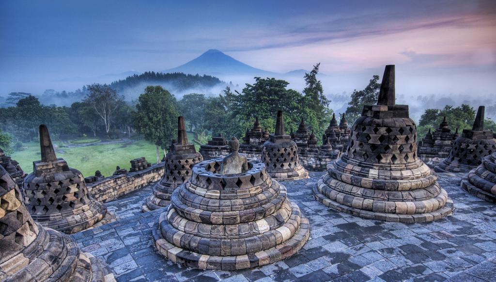 Cùng chiêm ngưỡng 10 ngôi chùa đẹp nhất trên thế giới 8