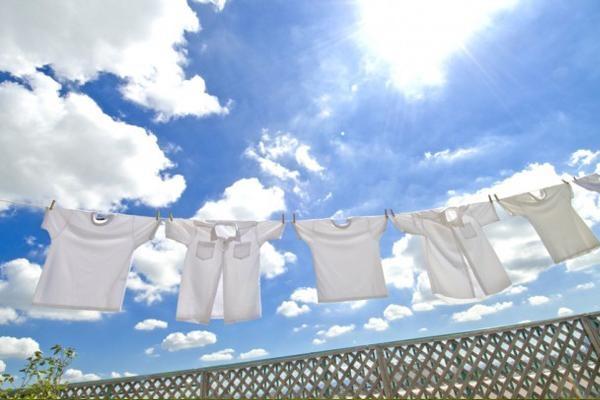 Mách bạn 10 cách tẩy trắng quần áo mà không cần dùng thuốc tẩy 9